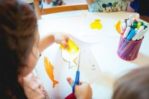 Drawing and paper-cutting, Preschool group